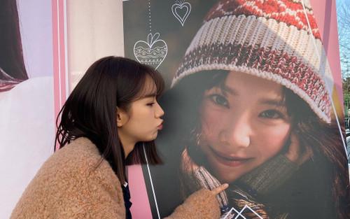 Sau Rosé (BlackPink), Hyeri tiếp tục kết nạp Taeyeon (SNSD) vào hội 'chị em bạn dì'