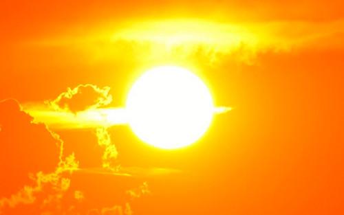 Không phải vàng hay đỏ, đây mới là màu sắc thực sự của Mặt Trời