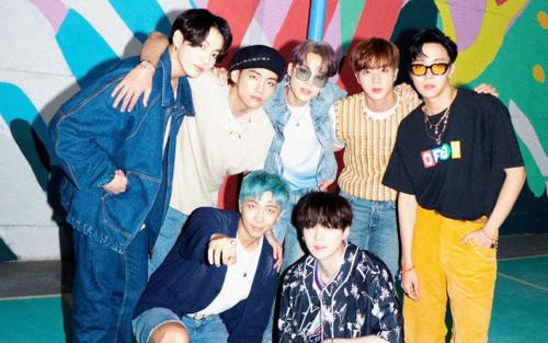 10 nhóm nam có album được nghe nhiều nhất 2020: BTS không có đối thủ
