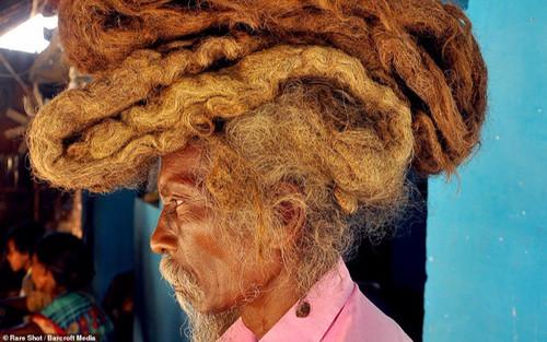 Những mái tóc bết dính kì lạ khiến cộng đồng mạng 'sửng sốt'