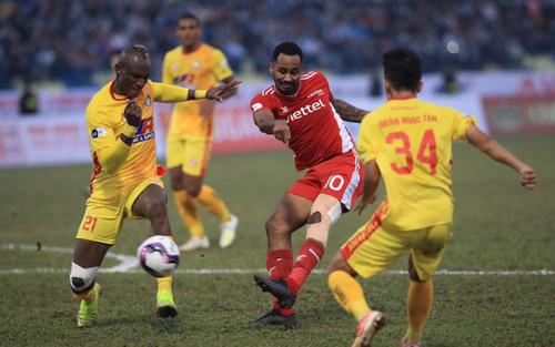 Covid-19 tái bùng phát, 2 trận V-League 2021 đá trên sân không khán giả