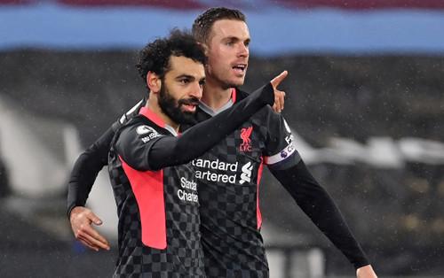 'Messi Ai Cập' lập cú đúp sau 6 trận tịt ngòi, Liverpool vươn lên Top 3