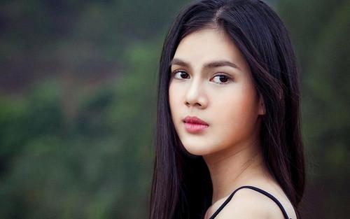 Người mẫu Ngọc Trinh: 'Buồn vì mối tình với cầu thủ kết thúc không đẹp'