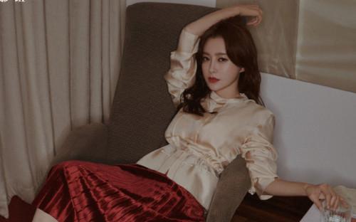 'Phú Sát Hoàng hậu' Tần Lam hẹn hò với trai trẻ trong phim mới