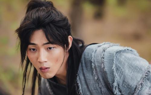 Ngoài Jisoo, nhiều phim đã từng lao đao vì scandal của diễn viên, có cả Việt Nam