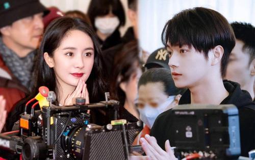 Không sợ Ngụy Đại Huân ghen, Dương Mịch nhìn chằm chằm 'tình trẻ' Hứa Khải trên phim trường