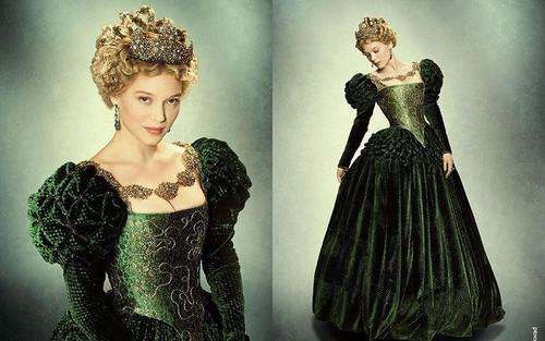 Những bộ cánh lộng lẫy của Belle trong Người đẹp và Quái vật phiên bản Pháp