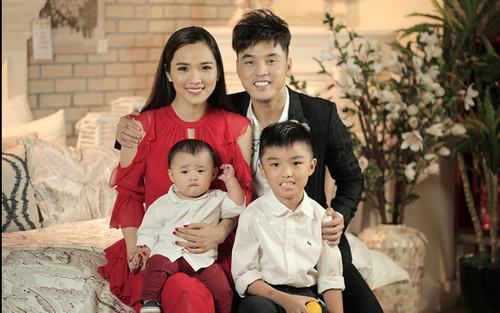 Cư dân mạng tranh cãi về cách dạy con của vợ Ưng Hoàng Phúc