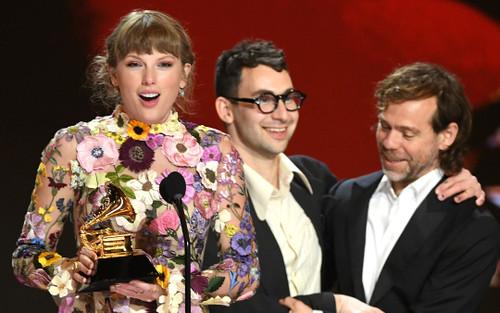 Gần 20 năm sự nghiệp, Taylor Swift làm nên lịch sử tại Grammy 2021