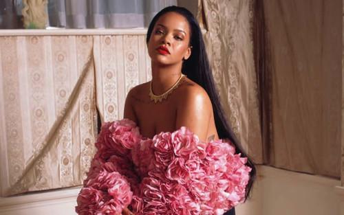 Rihanna tung hint sớm quay trở lại sân khấu trong thời gian tới