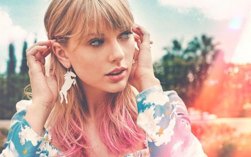 Taylor Swift là nữ nghệ sĩ đầu tiên trong lịch sử vượt mốc 20 tỷ lượt stream on-demand tại Hoa Kỳ