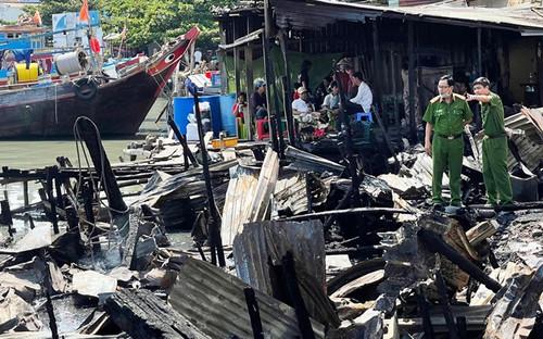 Cháy lớn thiêu rụi 9 căn nhà tạm ở Vũng Tàu