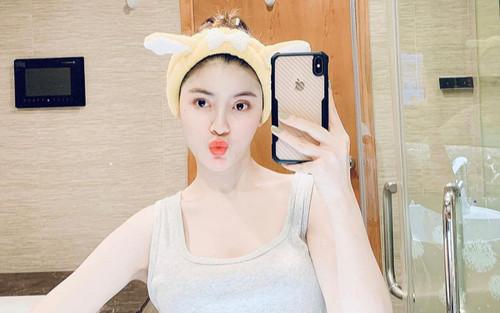 'Bạn gái tin đồn' của Quang Hải lộ ảnh 'sửa sang' gương mặt