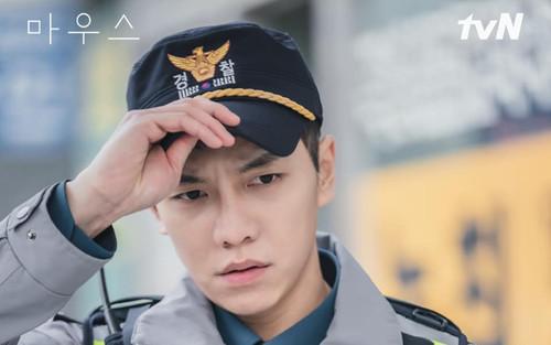 Diễn xuất bùng nổ của Lee Seung Gi trong 'Mouse' nhận về cơn mưa lời khen