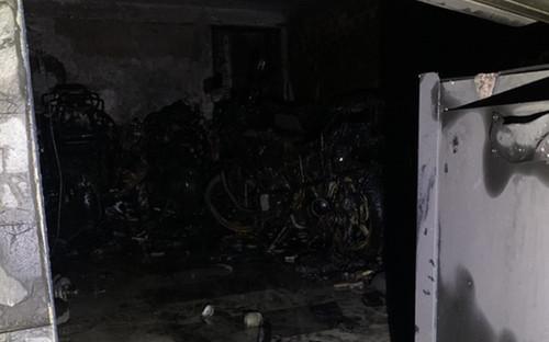 5 người mắc kẹt kêu cứu trong căn nhà bốc cháy lúc rạng sáng