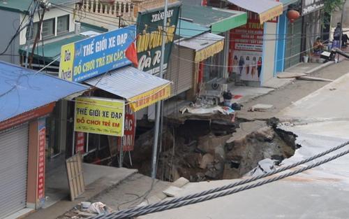 Vụ 'hố tử thần' rộng hơn 100m2 ở Hà Nội: Đã tìm ra nguyên nhân và các bước khắc phục hậu quả