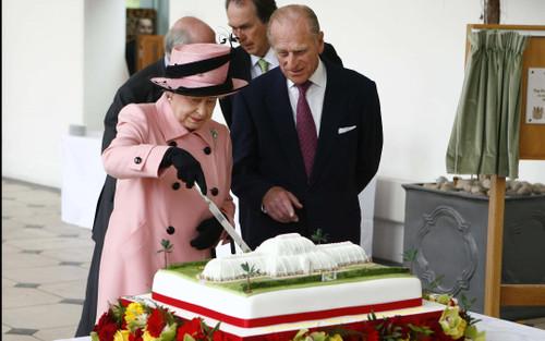 Thói quen ăn sáng hàng thập kỷ của Nữ hoàng và Hoàng thân Philip