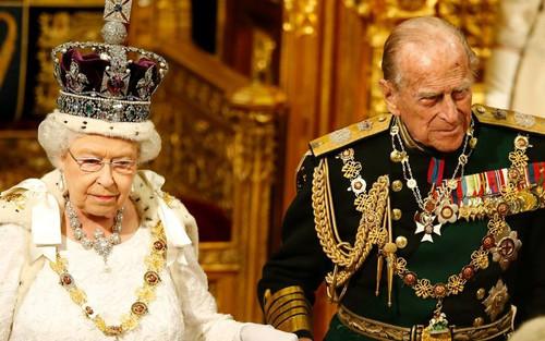 Kết hôn với Nữ hoàng hơn 70 năm, vì sao cố Hoàng thân Philip không được phong Vua?