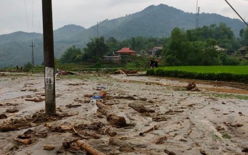 Lào Cai: Bất ngờ xuất hiện lũ quét trong đêm khiến 3 người tử vong