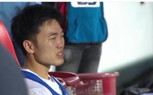 VIDEO: Xúc động khoảnh khắc Xuân Trường bật khóc sau chiến thắng của HAGL
