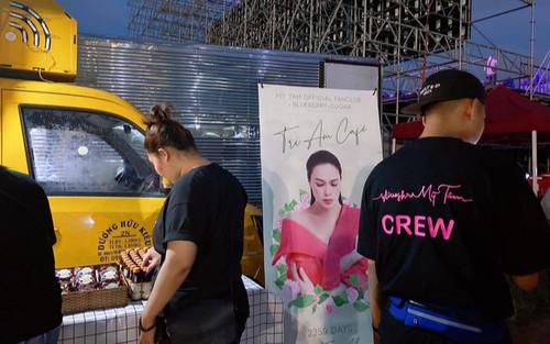 FC Mỹ Tâm tặng thần tượng cả xe cafe trước thềm diễn ra liveshow Tri âm