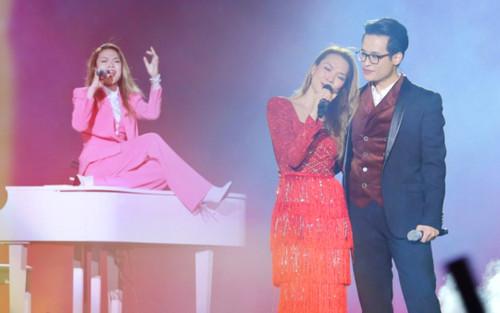 Mỹ Tâm tình tứ cùng Hà Anh Tuấn, nhắc về người yêu cũ trên sân khấu Tri âm