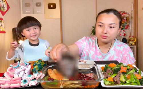 Cái kết đắng cho Quỳnh Trần JP sau video ăn chân gấu