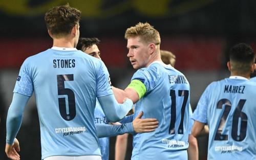 Man City thắng ngược PSG, đặt một chân vào chung kết Champions League