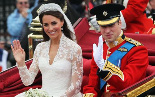 Bí ẩn tủ đồ Hoàng gia: Bóc giá 9 chiếc váy cưới Hoàng gia đắt đỏ nhất