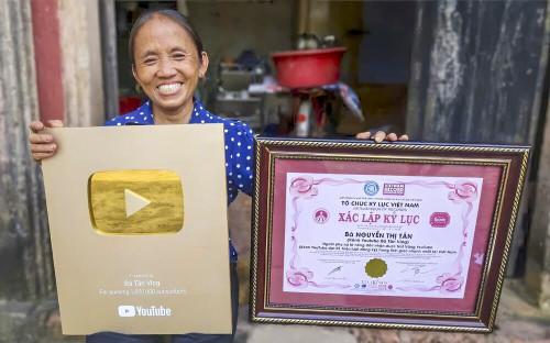 Thêm bằng chứng cho thấy Bà Tân Vlog đã hết thời trên YouTube