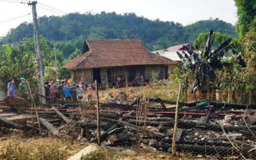 Điện Biên: Cháy lớn tại căn nhà gỗ trong đêm khiến 1 học sinh lớp 2 tử vong thương tâm