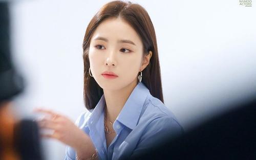 Shin Se Kyung kết thúc hợp đồng với công ty chủ quản để tìm kiếm cơ hội mới