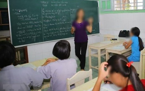 Yêu cầu học trò nêu ngành nghề của bố mẹ trong group chat, giáo viên bị chê trách vì thiếu tế nhị