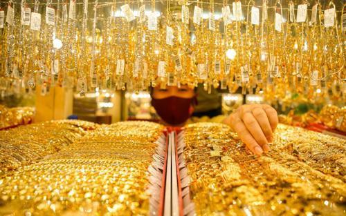 Giá vàng hôm nay 27/5: Vàng trong nước giảm theo đà lao dốc của vàng thế giới