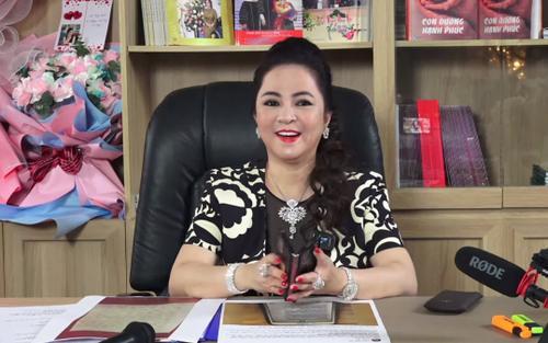Xuất hiện kênh YouTube, Facebook cắt ghép video của bà Phương Hằng