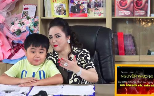 Con trai bà Phương Hằng đích thị là YouTuber nhỏ tuổi nổi tiếng nhanh nhất Việt Nam