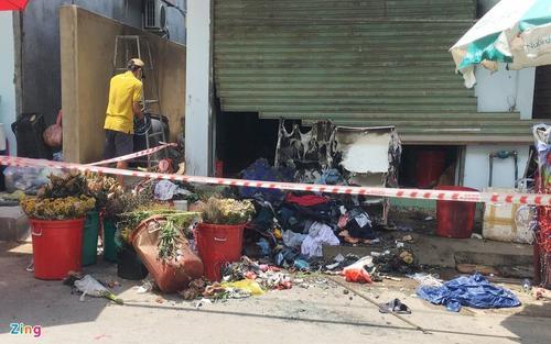 Truy bắt đối tượng đổ xăng rồi châm lửa đốt nhà khiến hai vợ chồng bị bỏng nặng