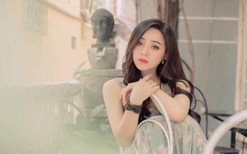 Từng 'mắng' Quỳnh Kool xối xả giật chồng 2 năm trước nay bỗng thành fan 'lật mặt' khen 'xinh'