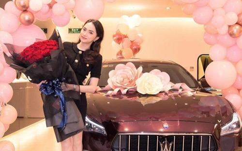 Hương Giang rao bán 'tín vật tình yêu' Matt Liu dành tặng sau gần 1 năm bên nhau?