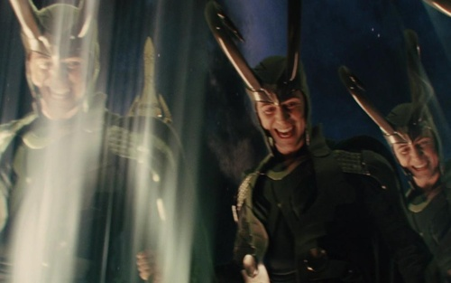 Đâu là những phép thuật làm nên tên tuổi của 'thần điêu đại bịp' Loki?