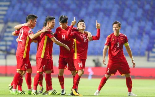 Đội tuyển Việt Nam 'càn quét' Top Trending YouTube, người hâm mộ phấn khích đợi trận đấu với Malaysia