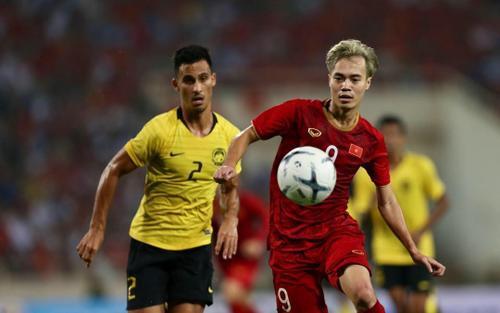 Việt Nam thắng Malaysia 2-1: Văn Hậu mắc sai lầm, Văn Toàn hóa người hùng!