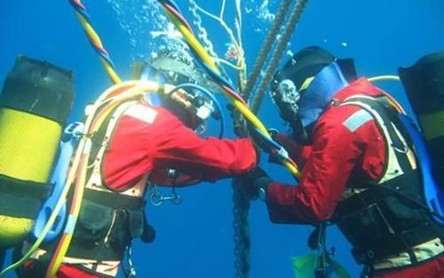 Vì sao cáp quang biển dễ đứt và việc sửa chữa lại mất nhiều thời gian đến vậy?