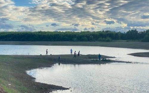 Hai nam sinh lớp 9 đuối nước thương tâm ở hồ thủy lợi