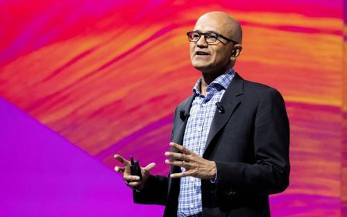 Satya Nadella trở thành CEO kiêm Chủ tịch hội đồng quản trị Microsoft