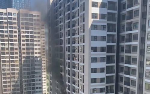 Hà Nội: Cháy cục nóng điều hòa giữa thời tiết nắng nóng gay gắt 30 độ C