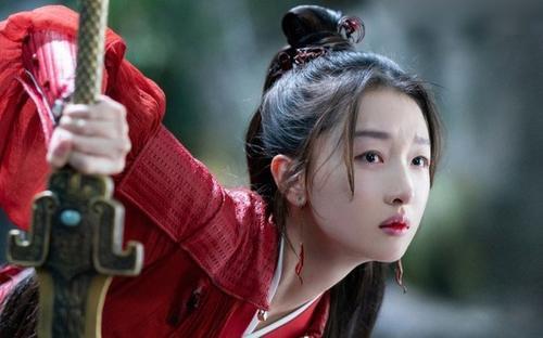 Thiên cổ quyết trần 'flop nặng' do Châu Đông Vũ là sai lệch: Do sự xung đột giữa NSX phim và đạo diễn?