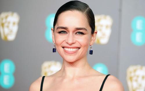 Bí quyết làm đẹp của 'mẹ rồng' Emilia Clarke