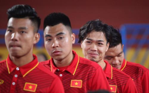 Tuyển Việt Nam chưa đủ mạnh để đá World Cup, cần tránh 'vết xe đổ' của Thái Lan!