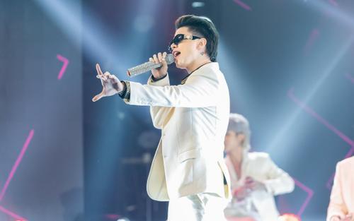 Xuất hiện hỗ trợ UNI5, Hoàng Tôn được Nguyễn Hải Phong gọi là 'King Pop R&B'